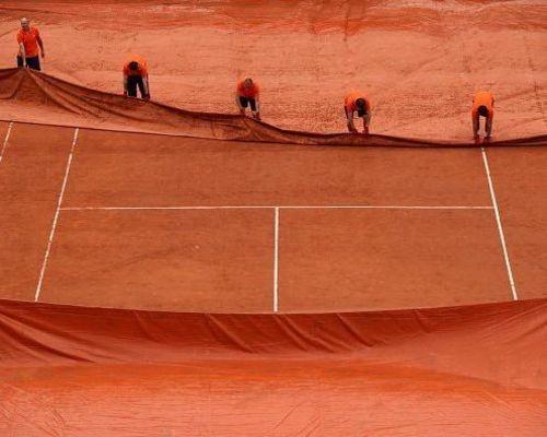 Beginn des Tennisbetriebes