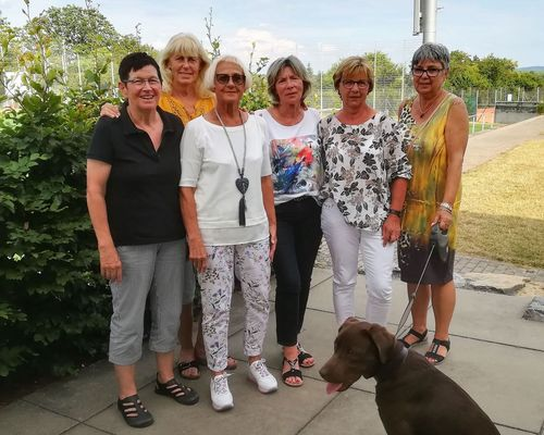Damen 60: Souveräner Aufstieg